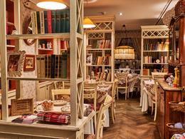 Ресторан Мари Vanna. Москва Спиридоньевский переулок, 10А